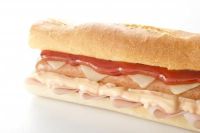 Hot dog z domácích párků