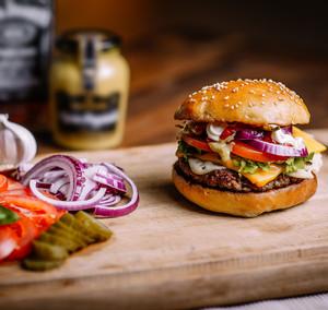 Klasický americký cheeseburger