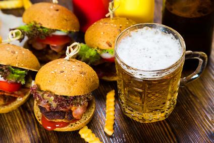 Pivní vepřový burger