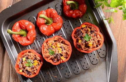 Grilovaná paprika plněná fazolovou ostrou směsí