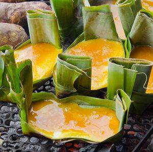 Grilovaná omeleta vbanánových listech