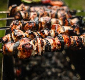 Grilované maso sdoplněním cukety