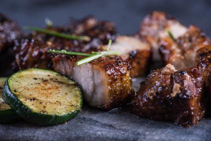 Grilovaný hovězí steak na přírodní způsob